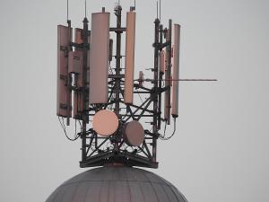 Las 'teleco' vuelven a perder la batalla de la tasa de RTVE